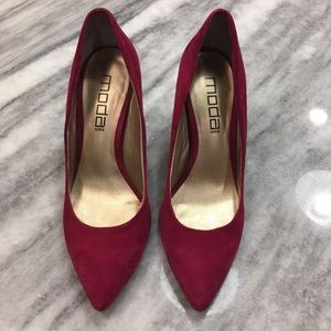 Moda International Fuchsia Pink Faux Suede Heels